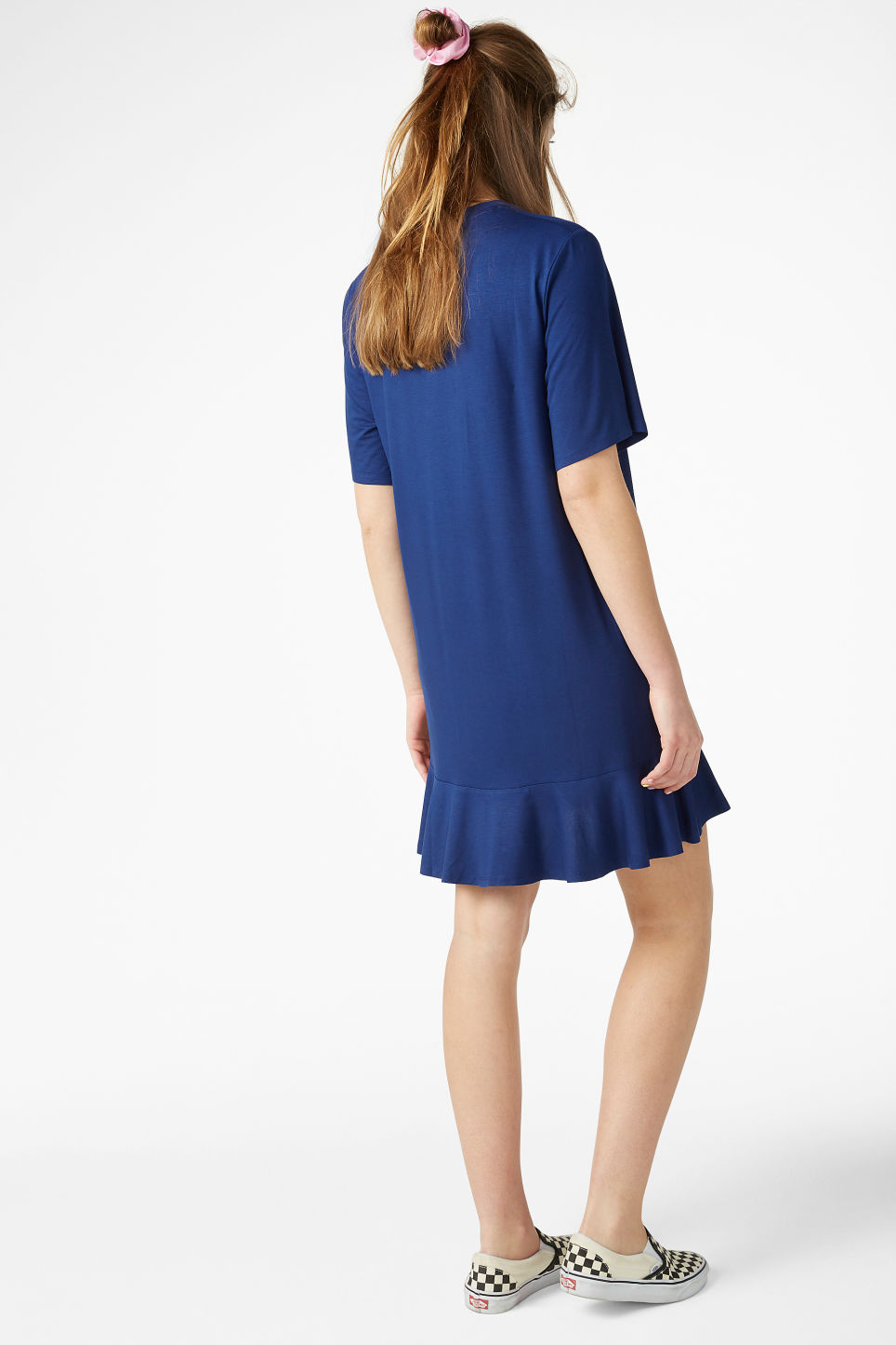 Model back image of Monki t-shirt dress  in blue