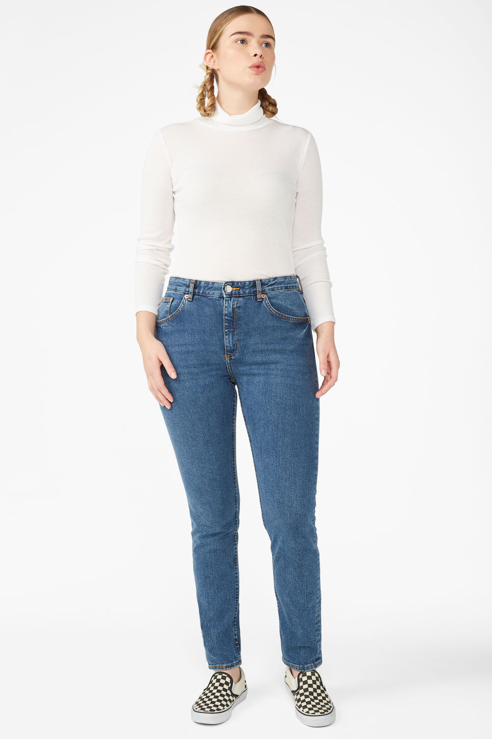 Model front image of Monki moop classic blue jeans in blue