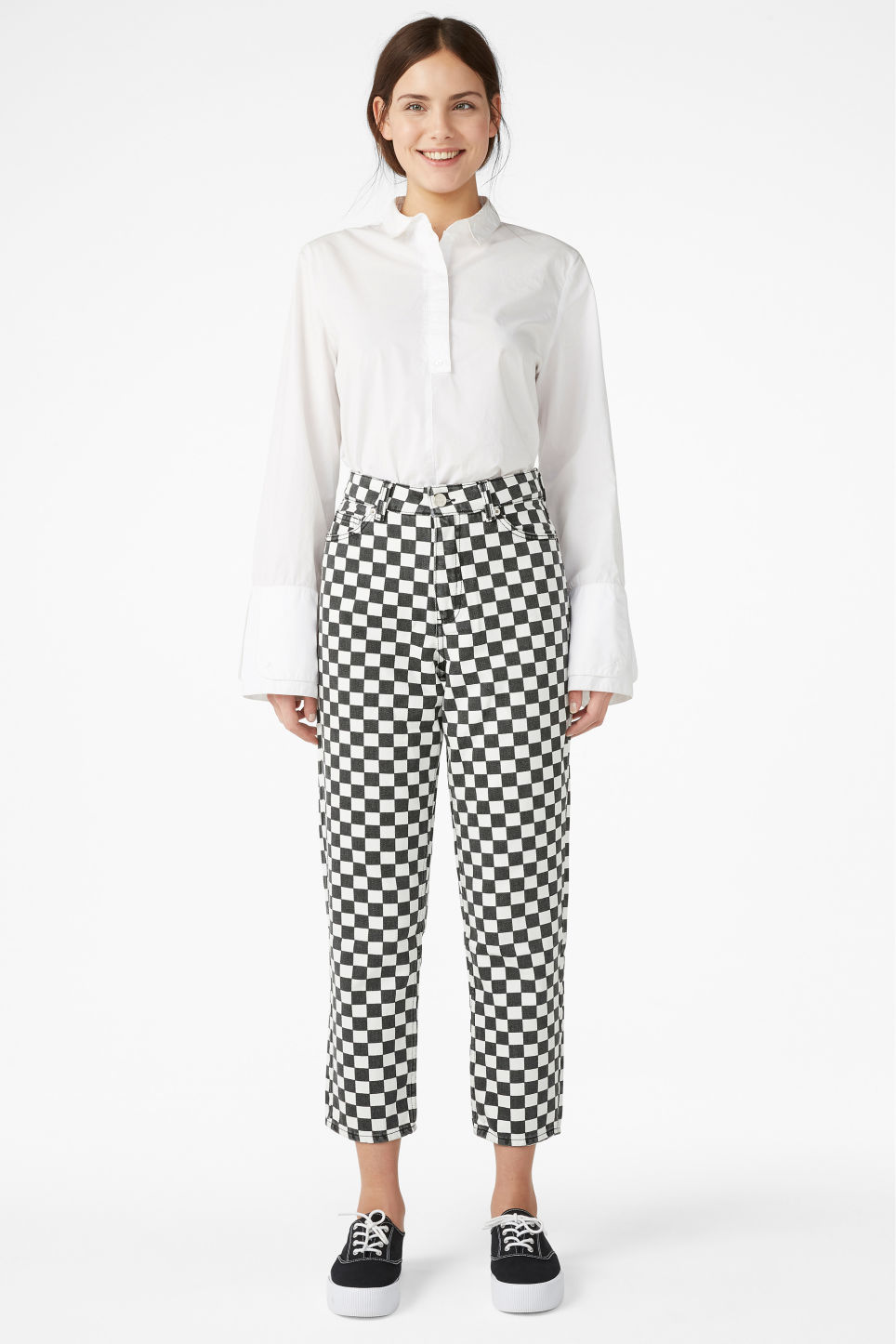 Model front image of Monki taiki checked jeans in white