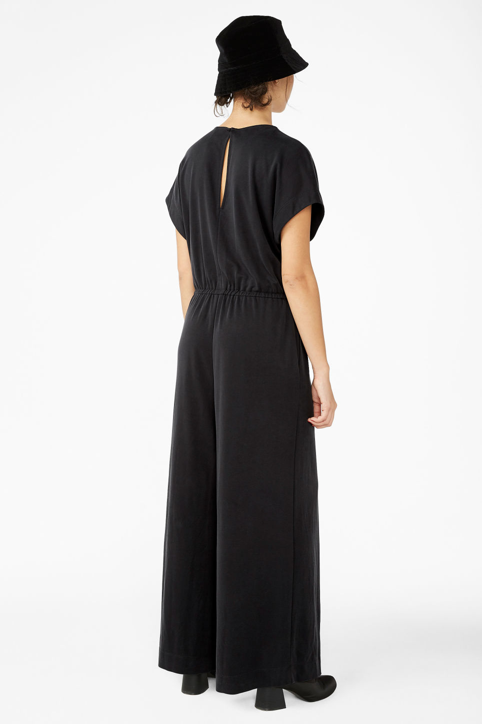 Model back image of Monki wide leg jumpsuit in black