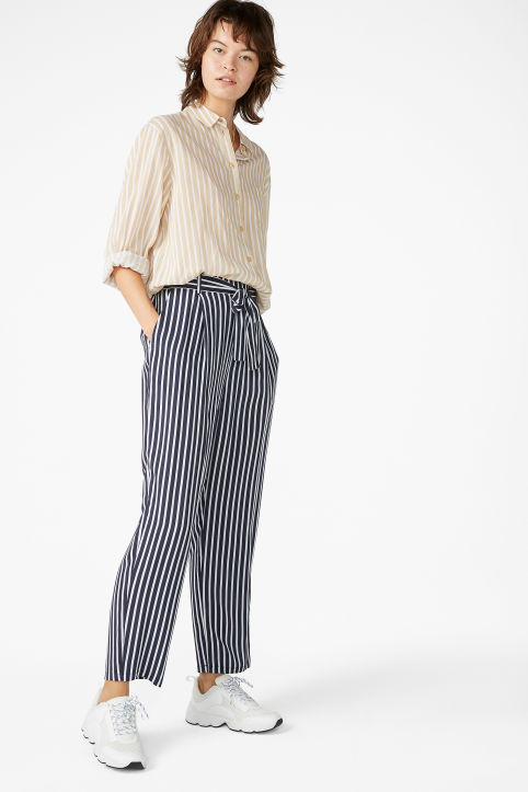 Belted flowy trousers