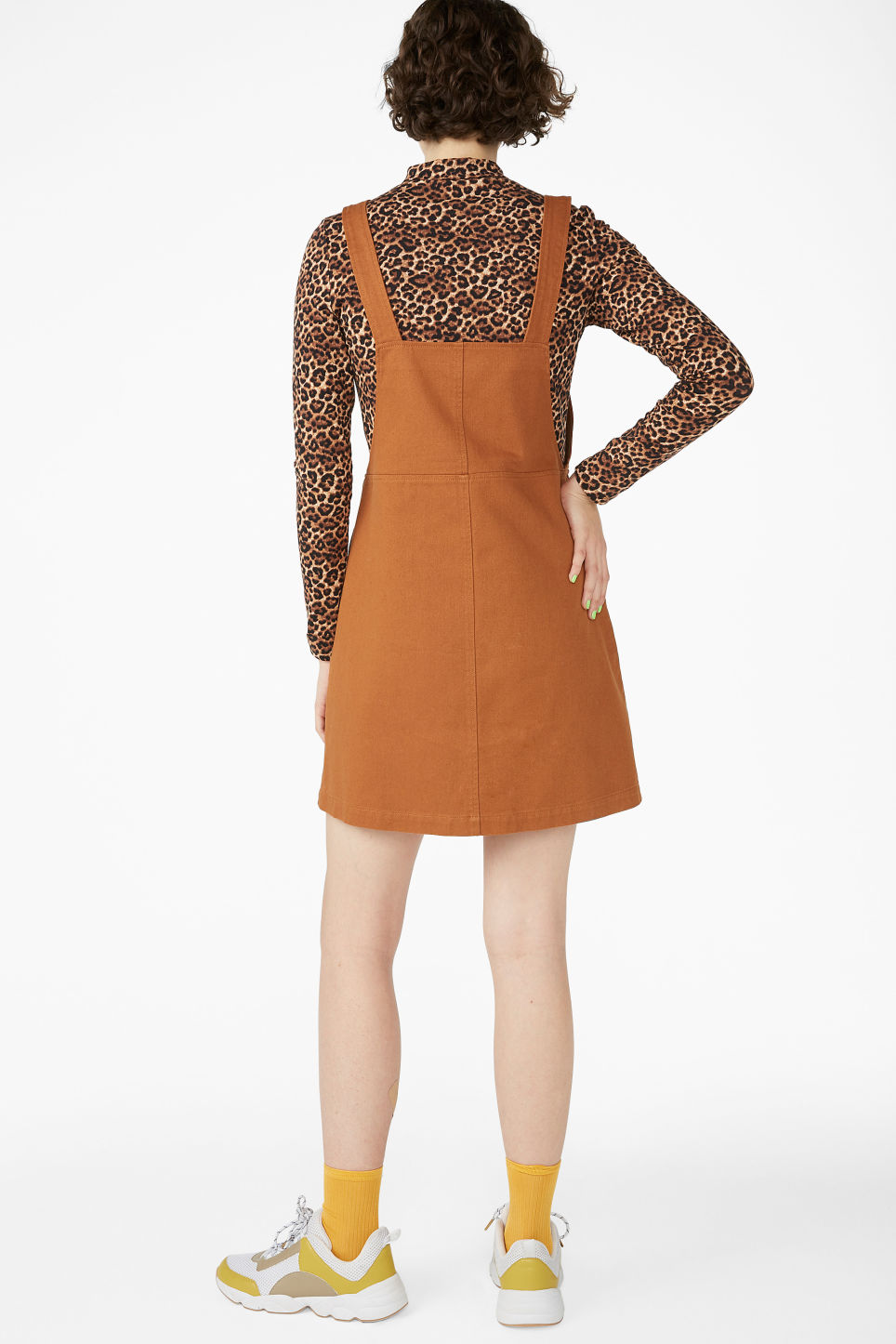 Model back image of Monki dungaree dress in orange