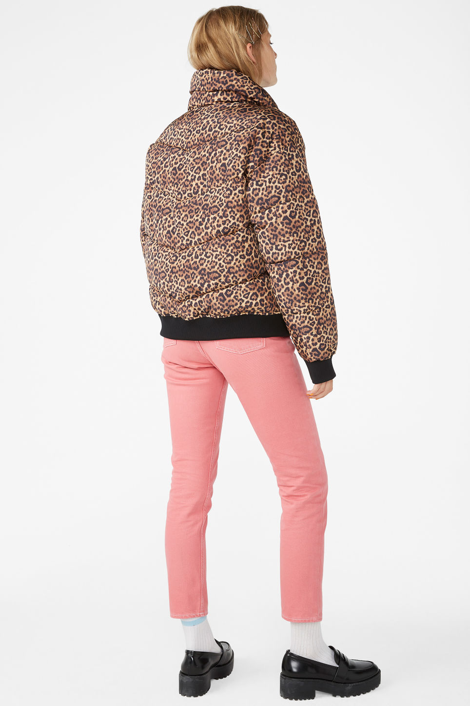 Model back image of Monki puffer jacket in beige