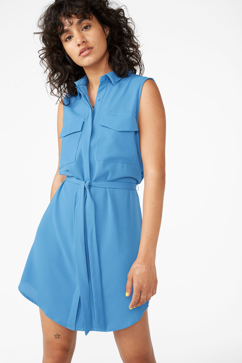 Model front image of Monki sleeveless shirtdress  in blue