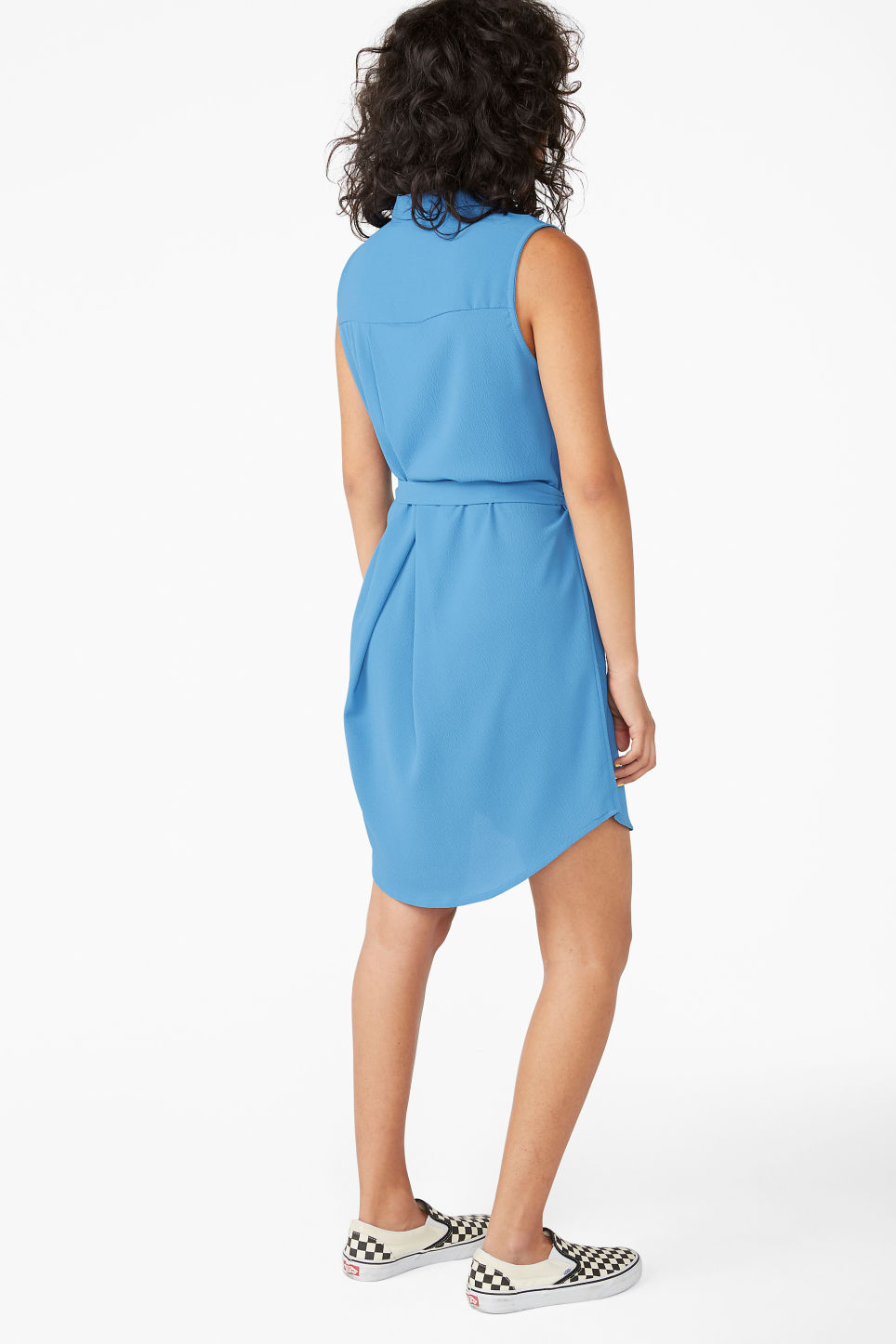 Model back image of Monki sleeveless shirtdress  in blue