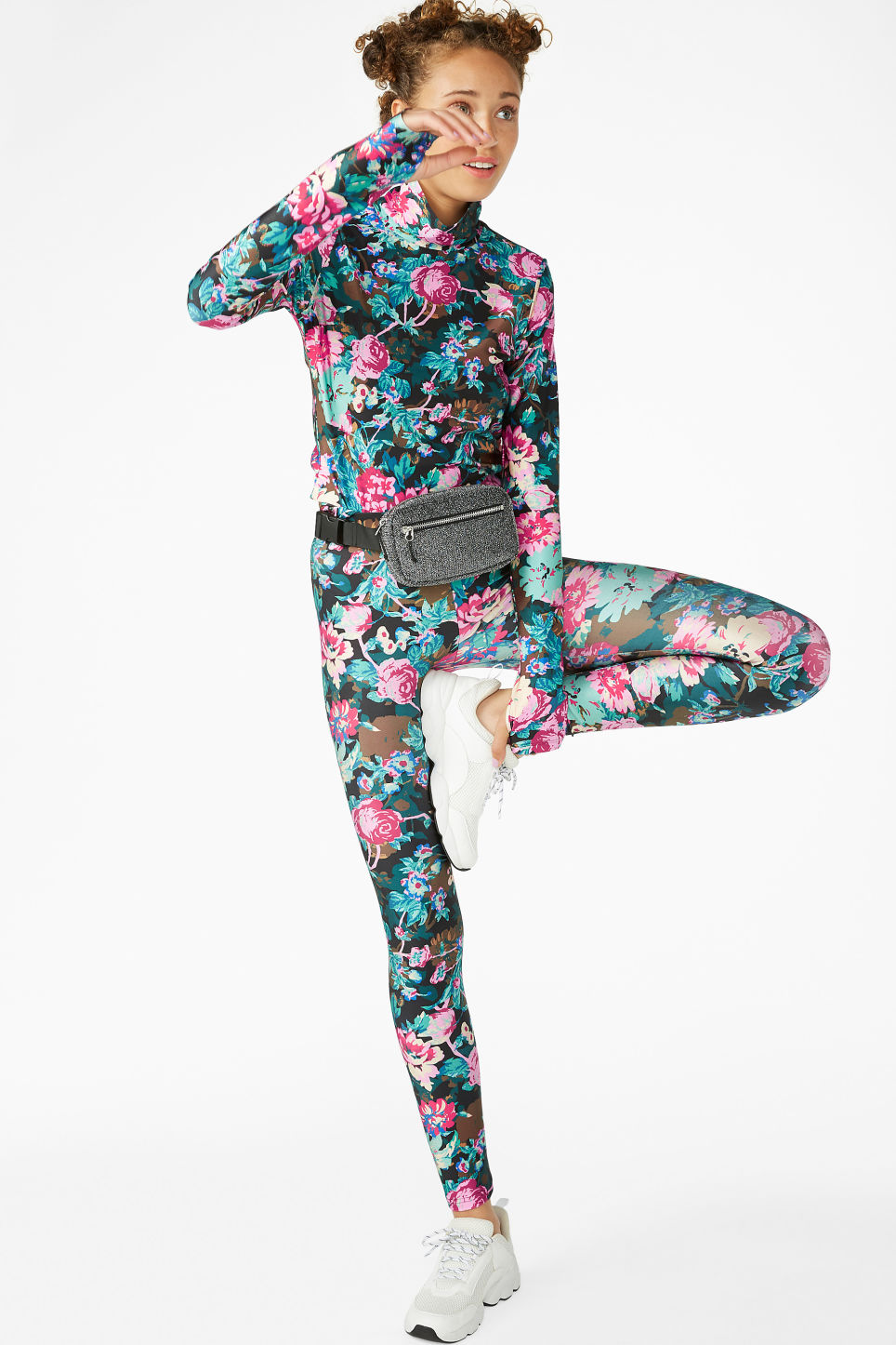 Model front image of Monki shiny leggings in black