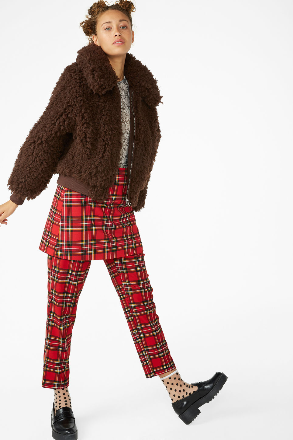 Model front image of Monki faux fur jacket in brown