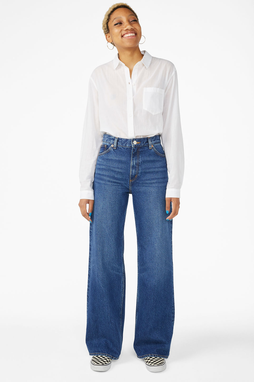 Model front image of Monki yoko mid blue jeans in blue