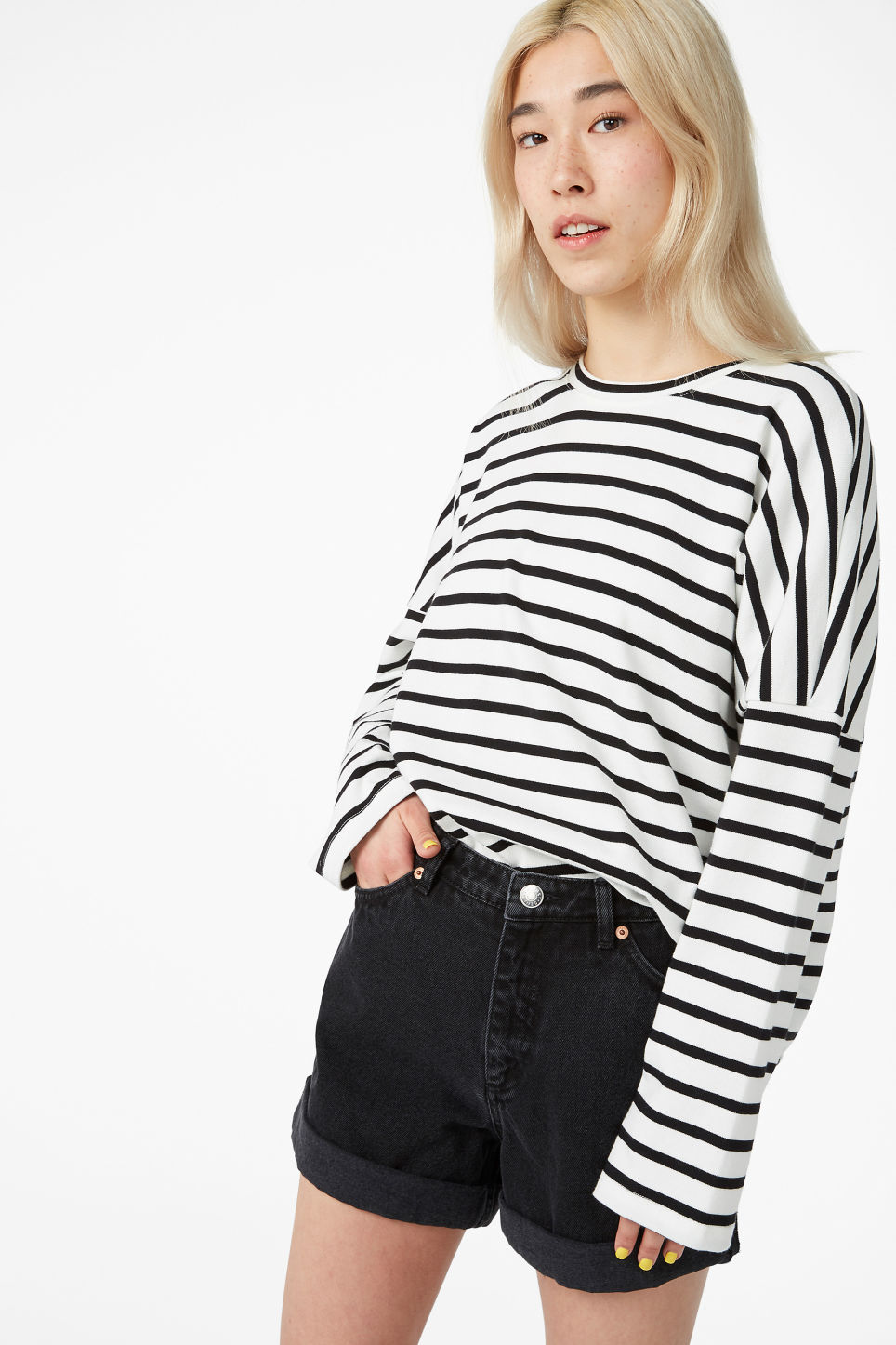 Model front image of Monki oversized top in black