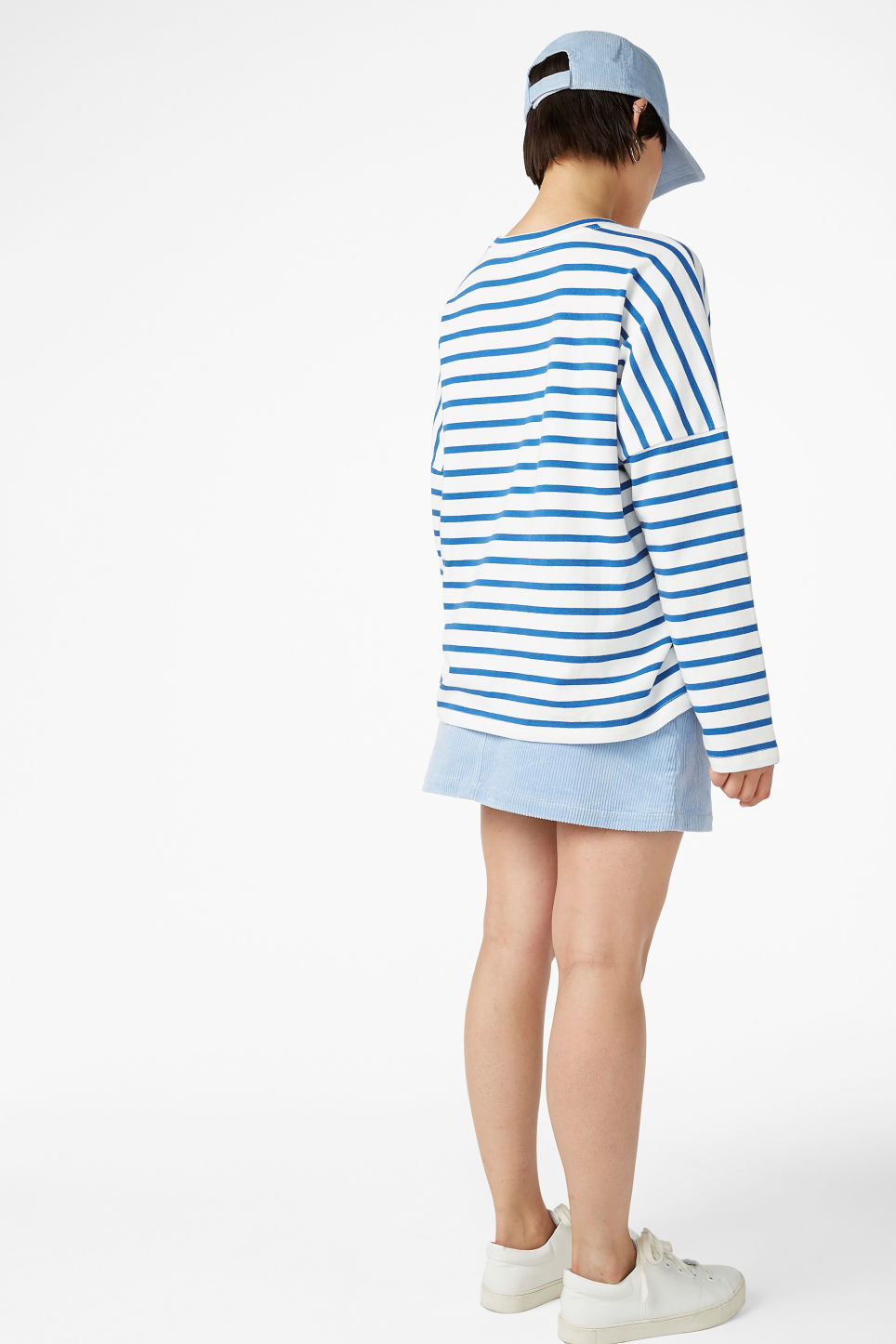 Model back image of Monki oversized top in blue