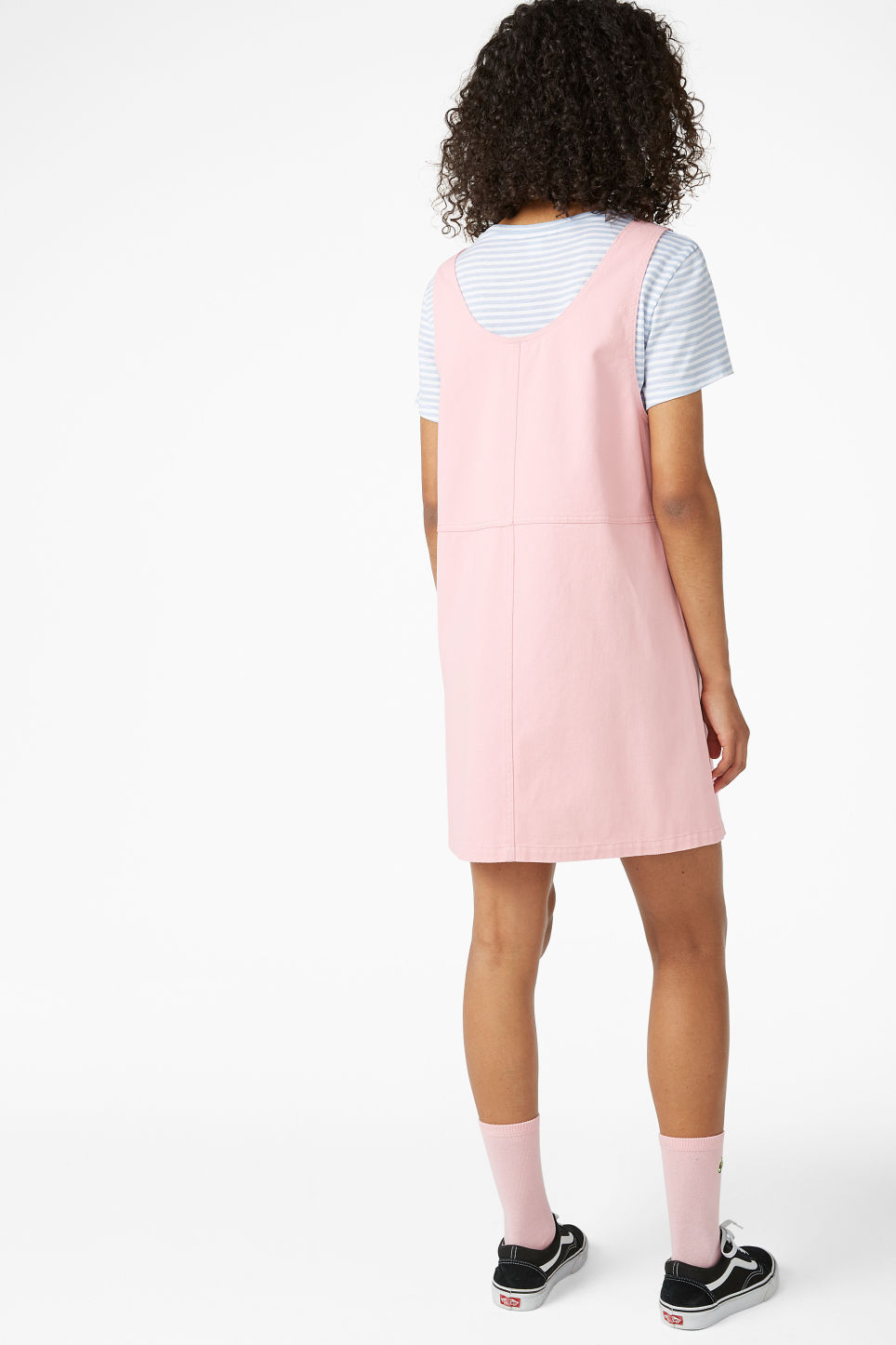 Model back image of Monki denim pinafore dress  in pink