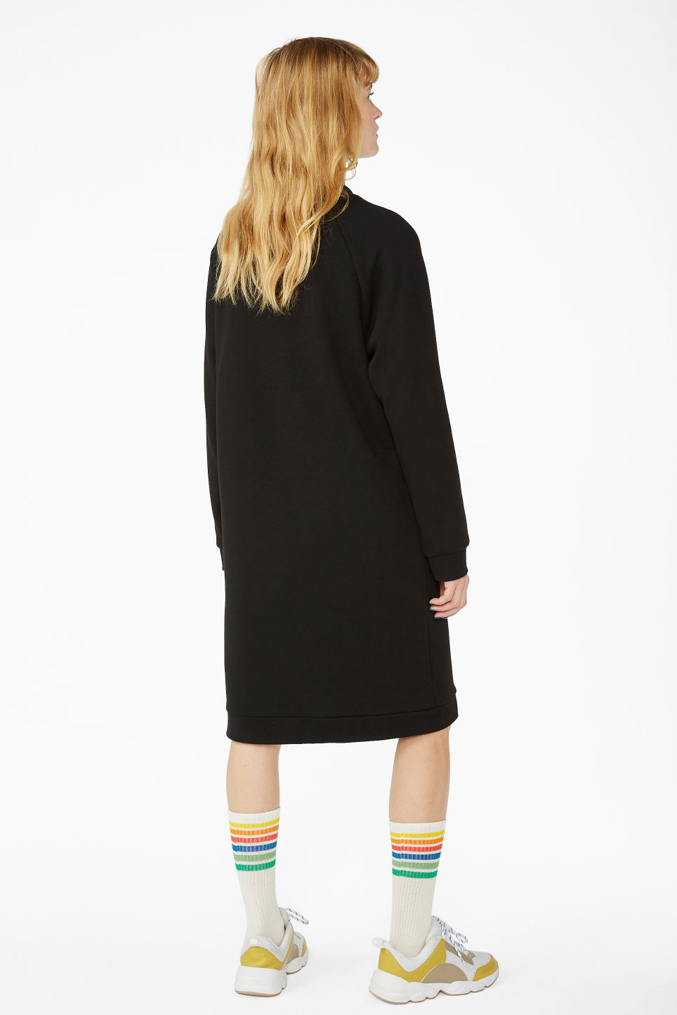 Model back image of Monki raglan sweater dress in black