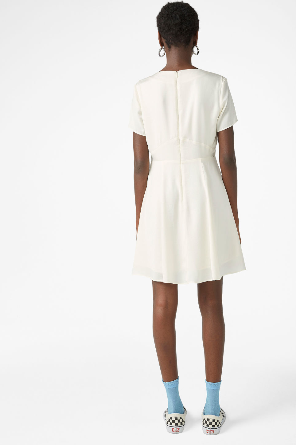 Model back image of Monki silky dress in white
