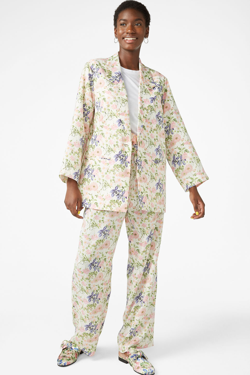 Model front image of Monki silky blazer in white