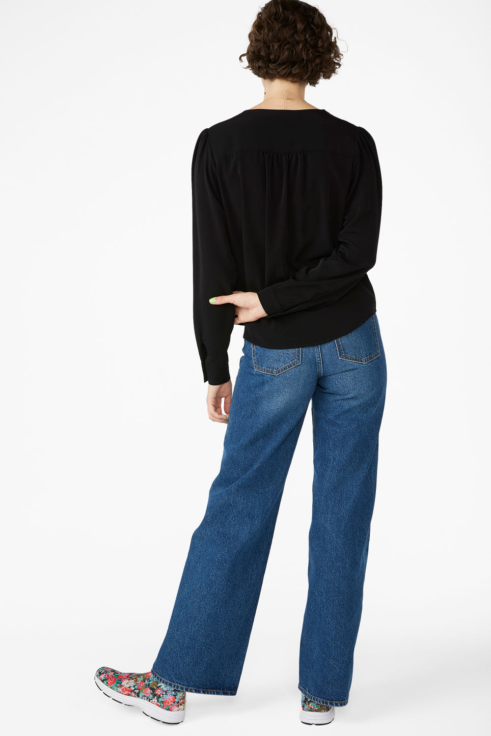 Model back image of Monki billowy blouse in black