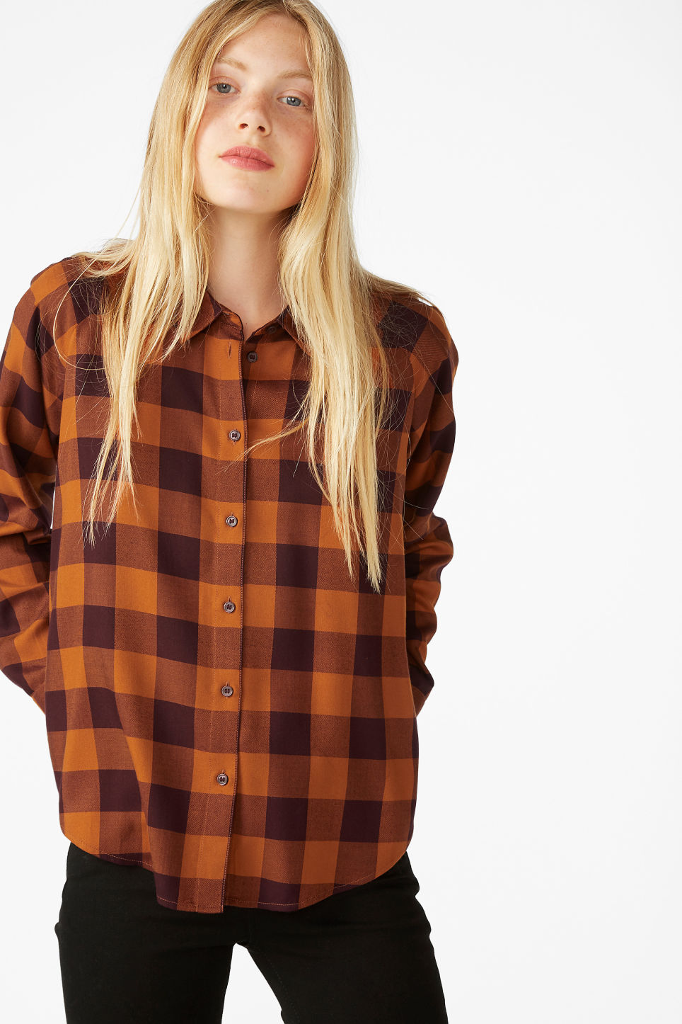 Model front image of Monki button-up shirt in orange
