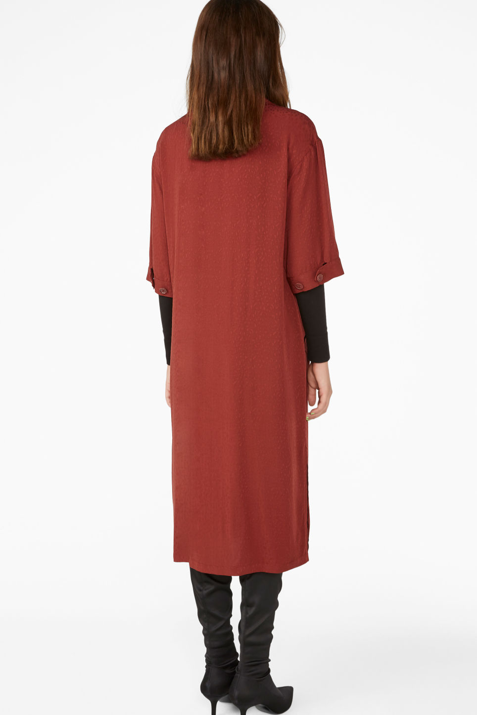 Model back image of Monki tuxedo dress in red