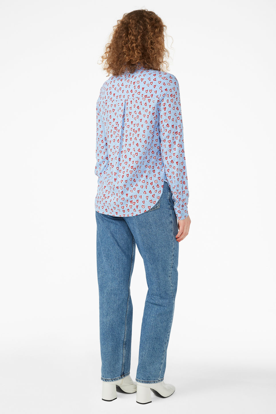 Model back image of Monki classic button-up shirt  in blue