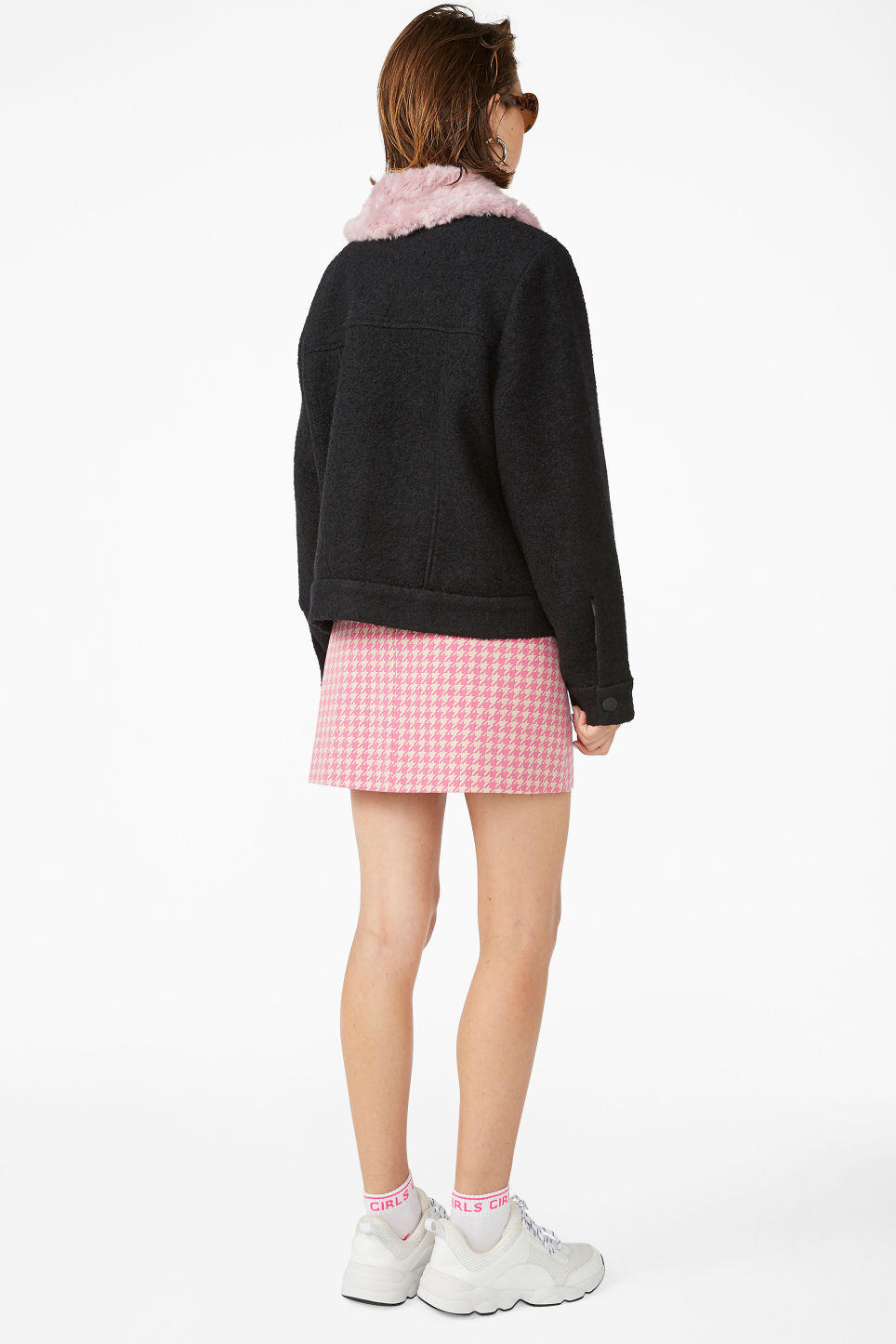 Model back image of Monki fluffy collar jacket in black