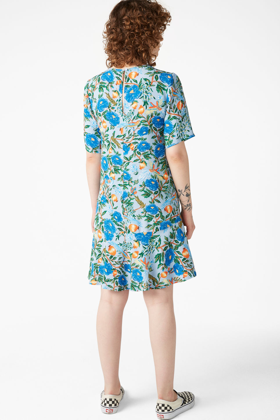 Model back image of Monki flounce t-shirt dress in blue