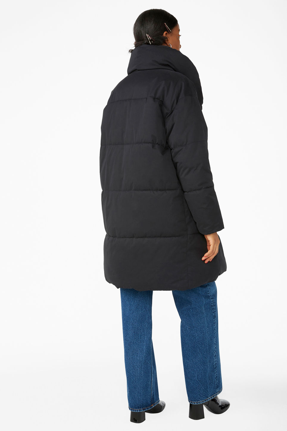 Model back image of Monki puffer coat in black