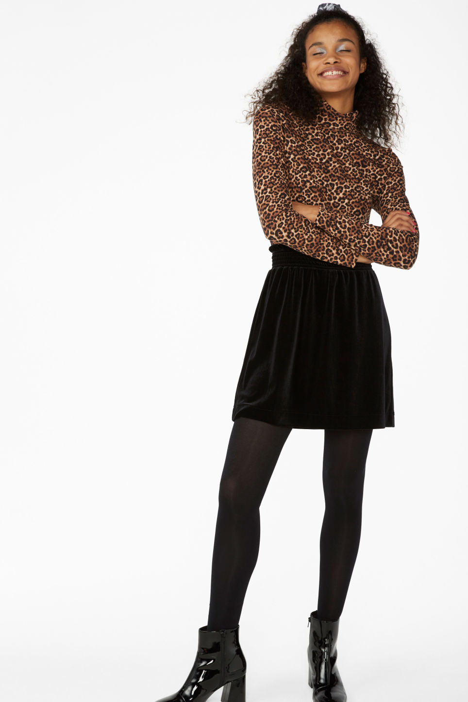 Model front image of Monki velvet mini skirt in black