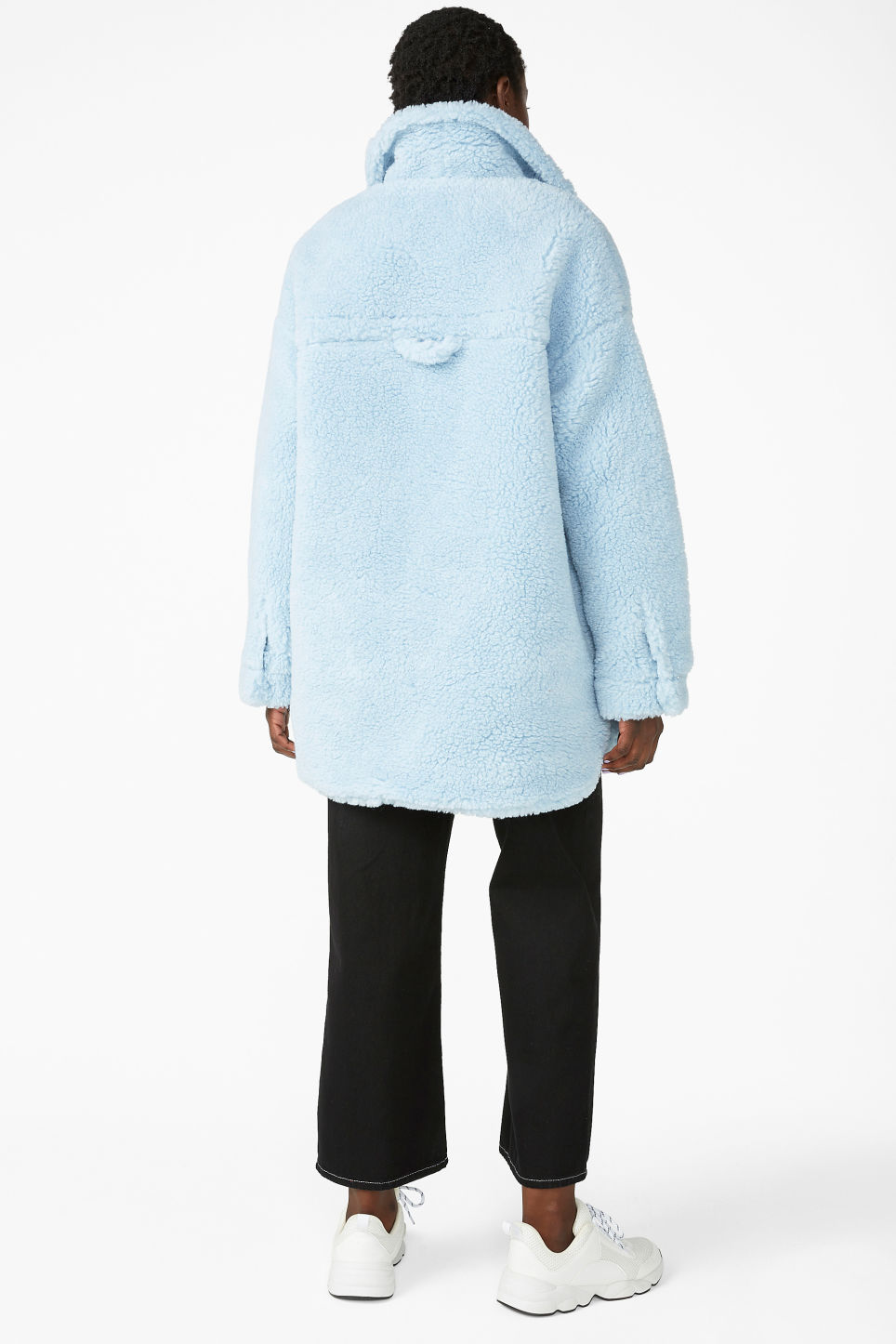 Model back image of Monki fluffy coat in blue