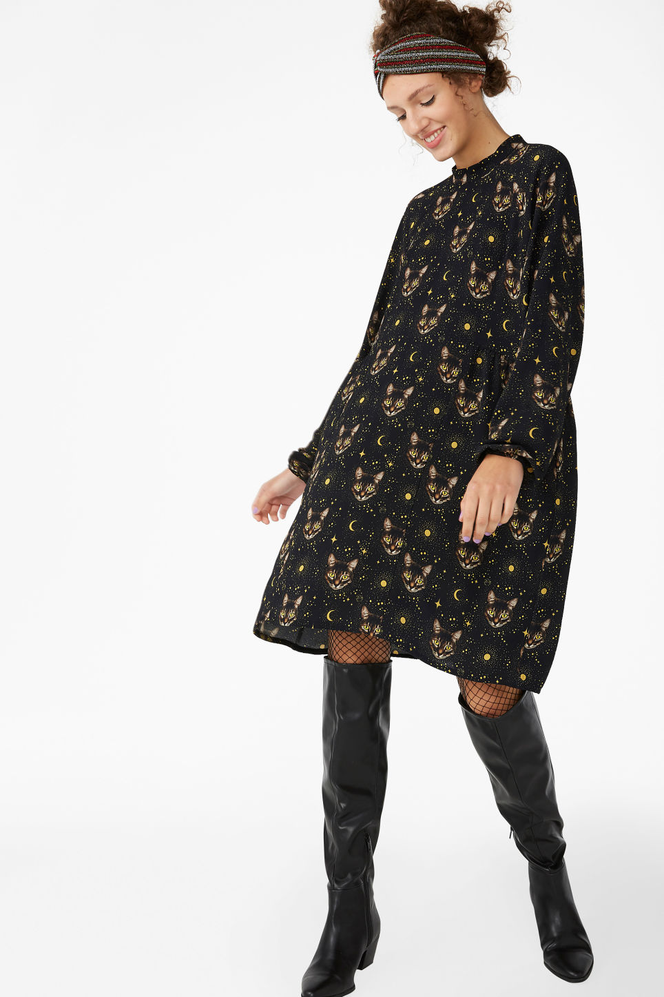 Model front image of Monki raglan dress in black