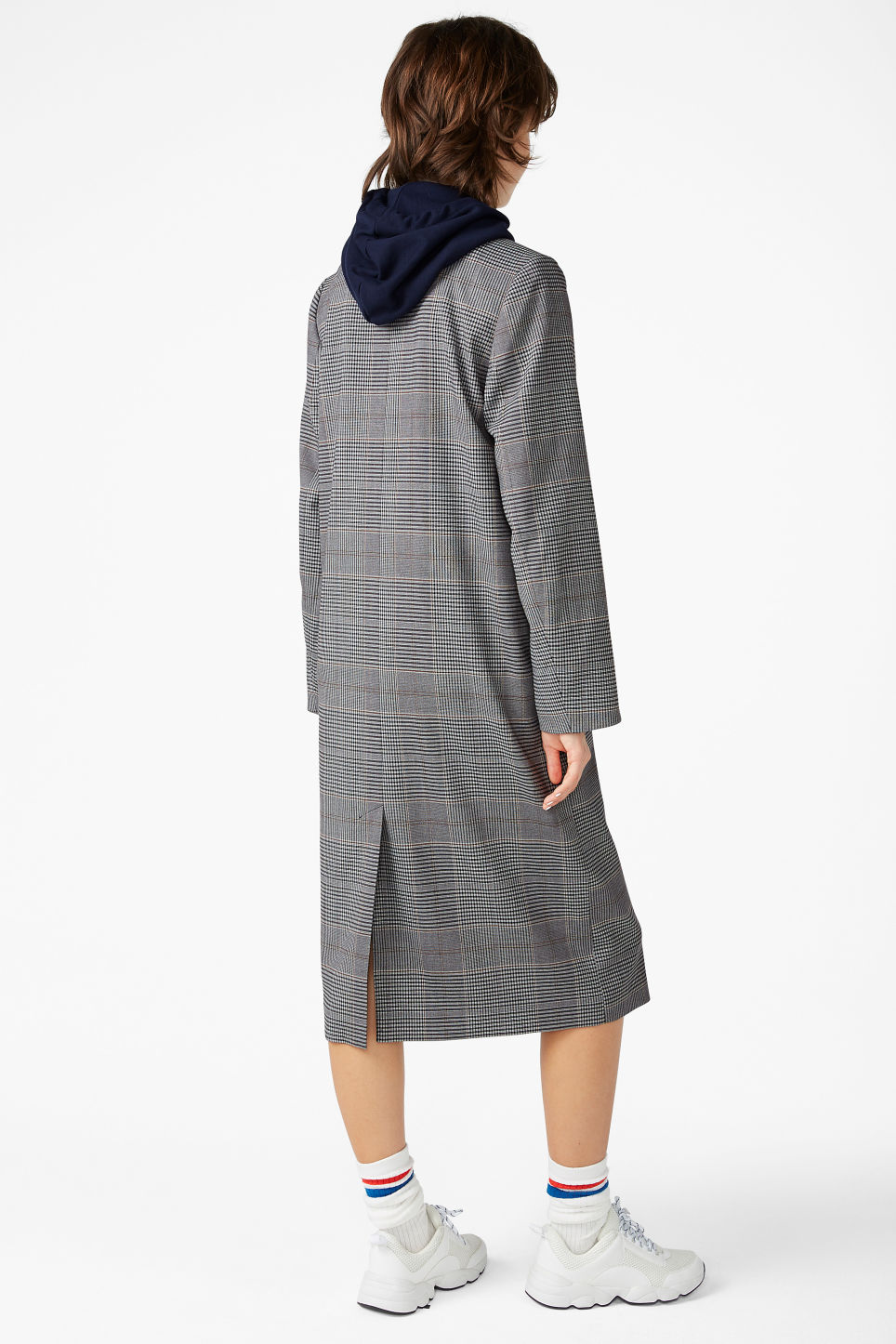 Model back image of Monki longline coat  in grey