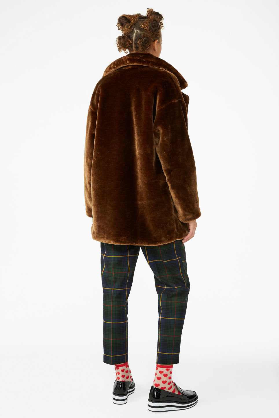 Model back image of Monki super-soft fluffy coat in beige