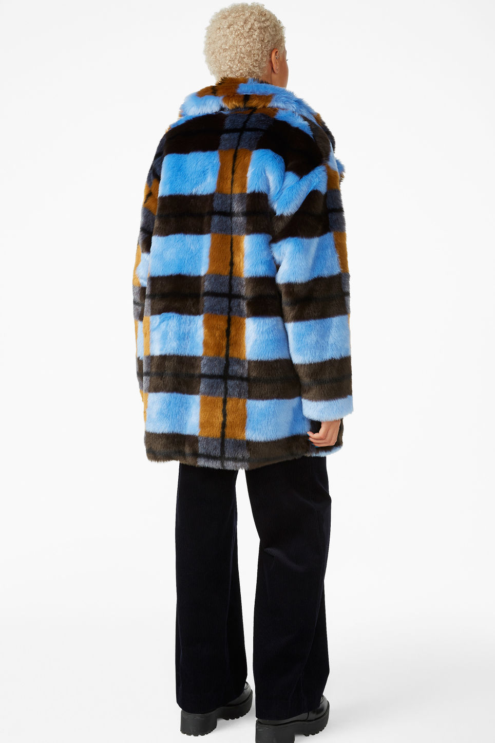 Model back image of Monki super-soft fluffy coat in blue
