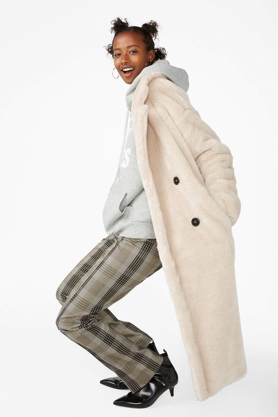 Model front image of Monki long faux fur coat in beige