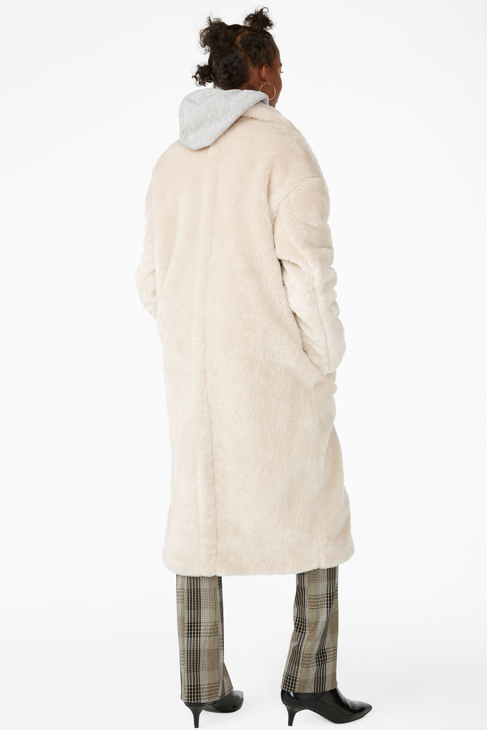 Model back image of Monki long faux fur coat in beige