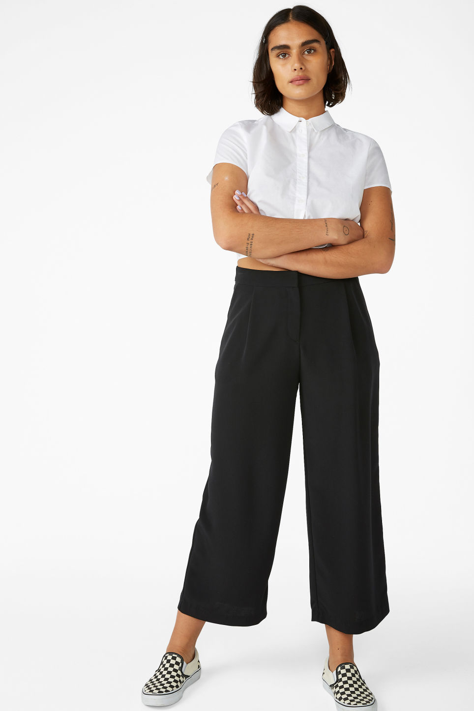 Model front image of Monki classic culottes in black