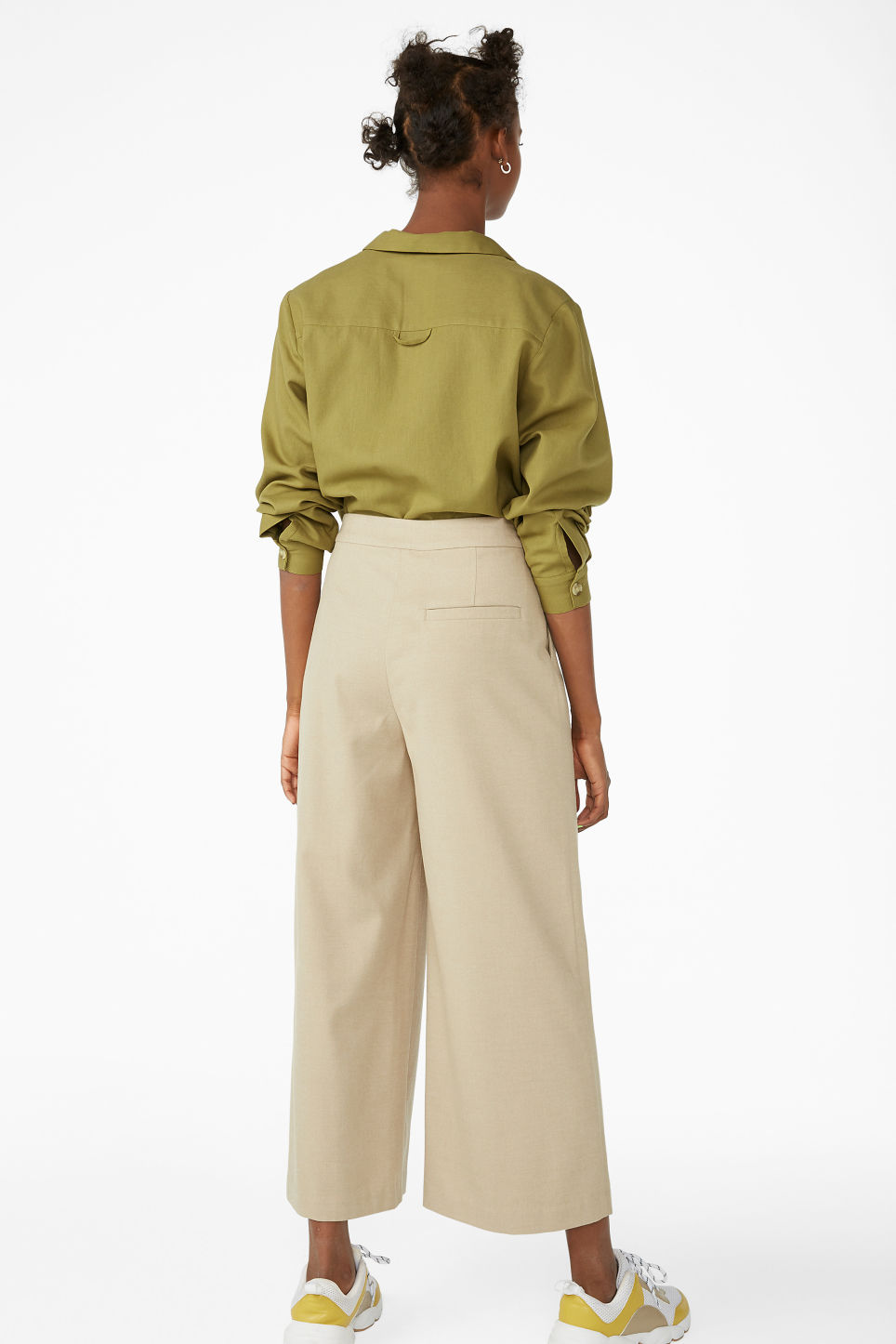 Model back image of Monki wide leg trousers in beige