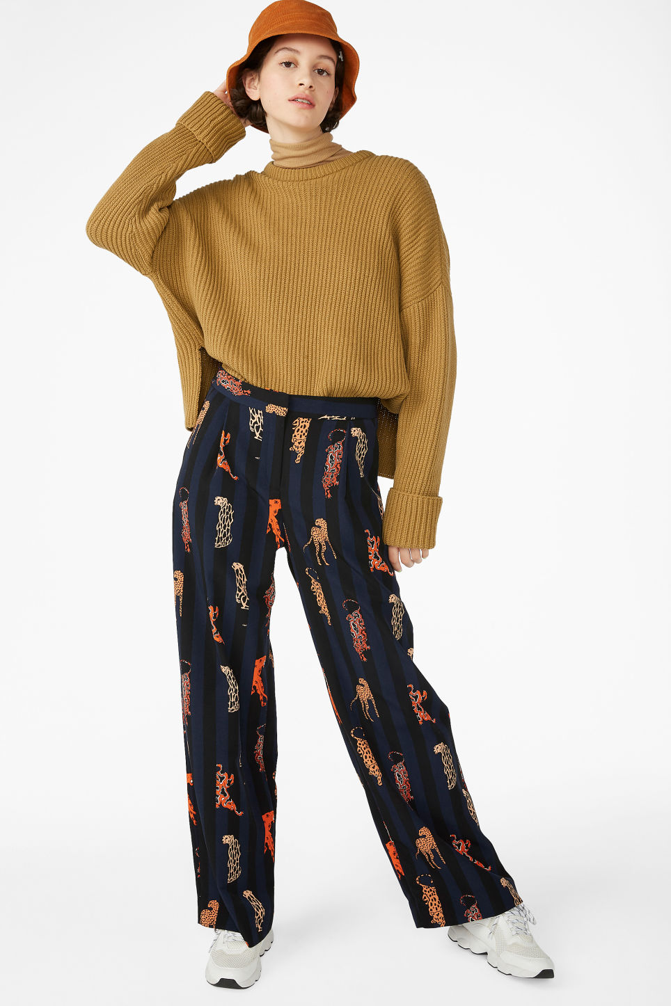 Model front image of Monki high waisted trousers in blue