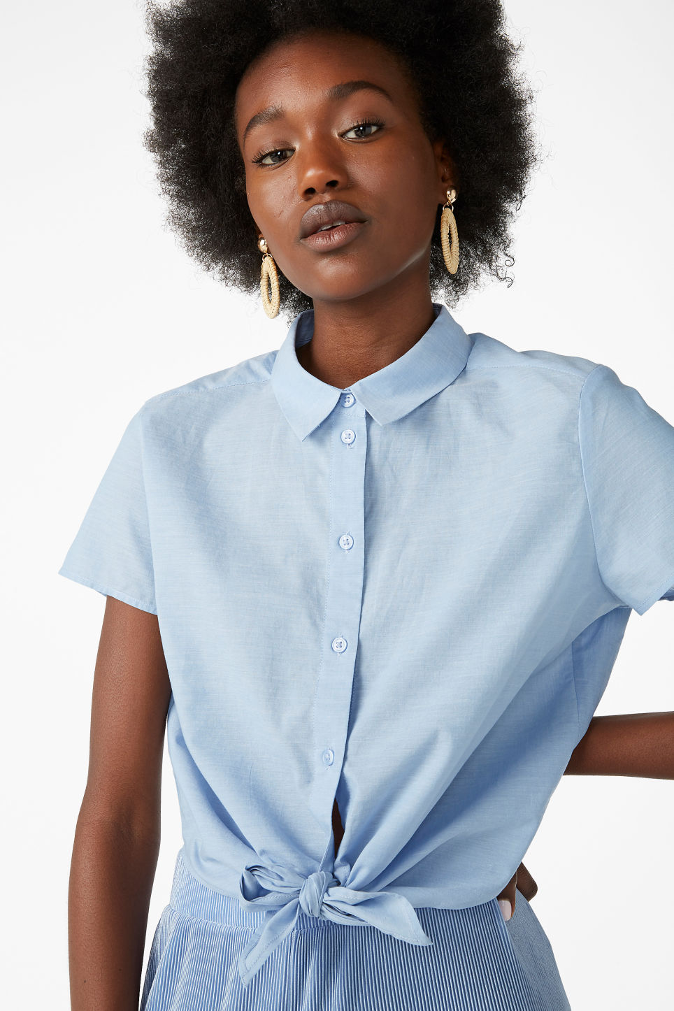 Model front image of Monki front tie blouse in blue