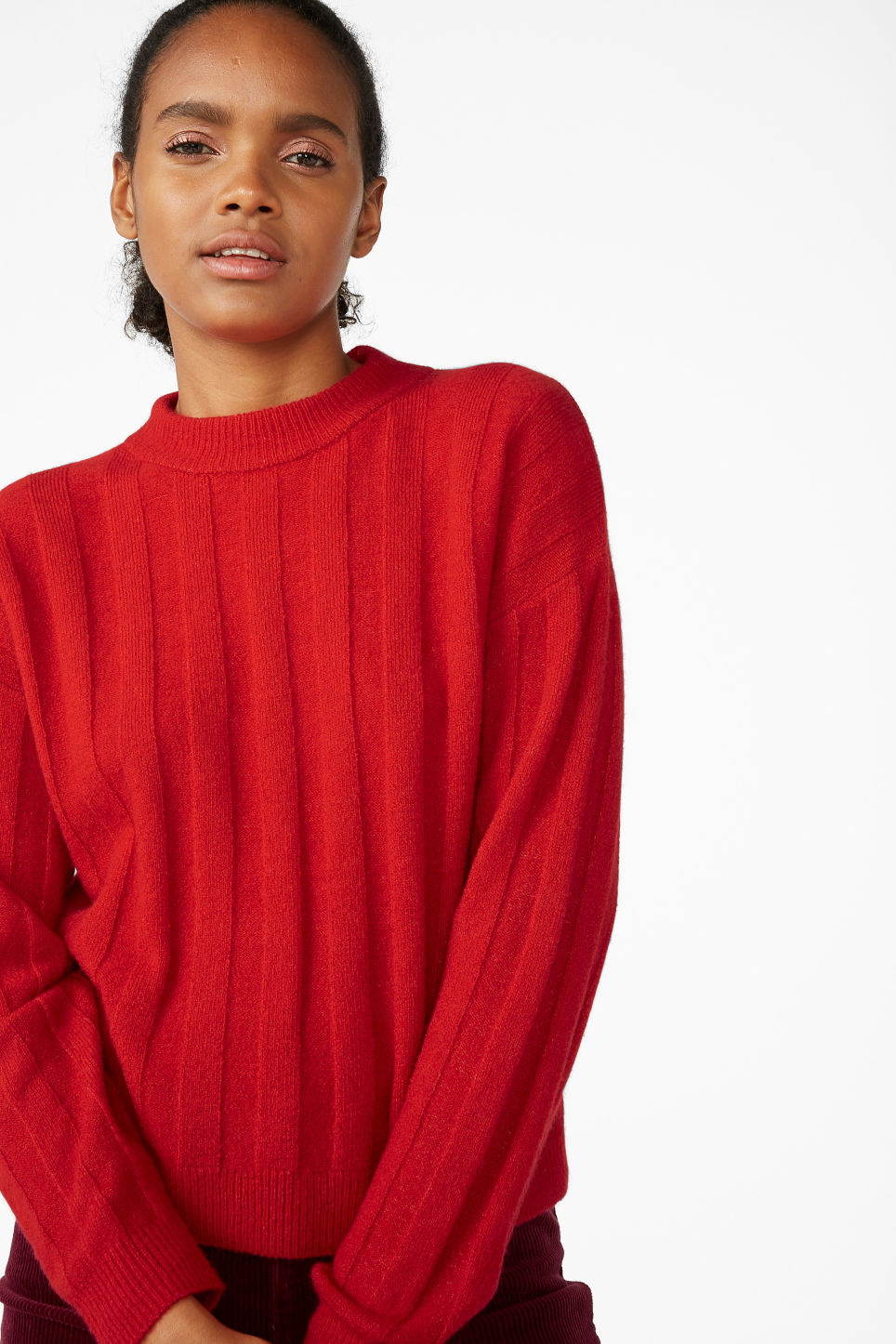 Model front image of Monki ribbed-knit top in red