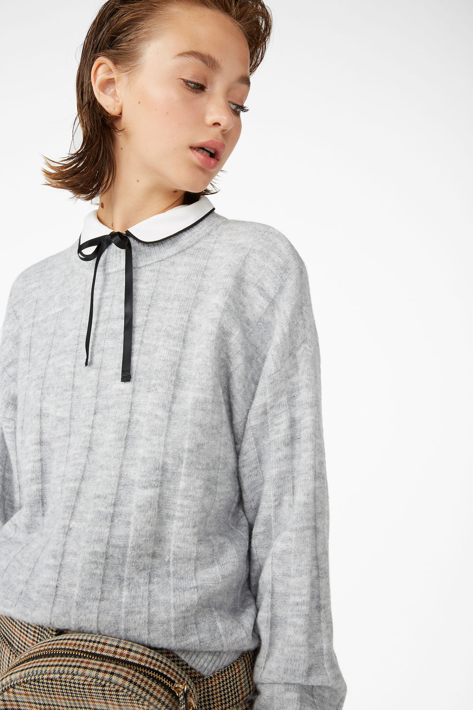 Model front image of Monki ribbed-knit top in grey