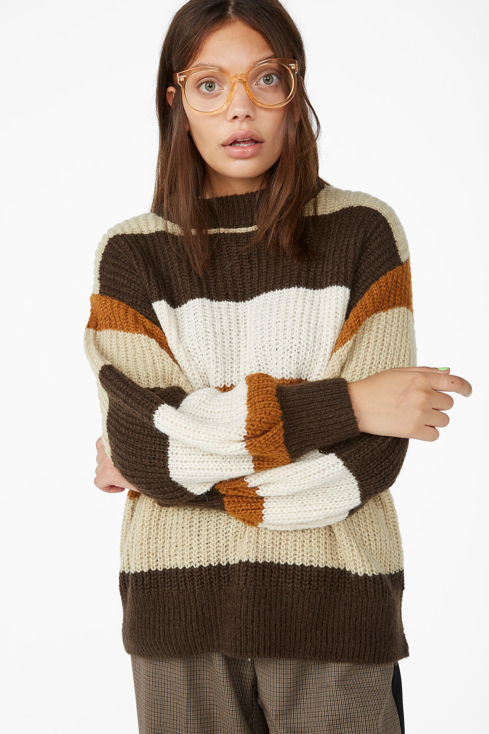 Model front image of Monki knit sweater in beige
