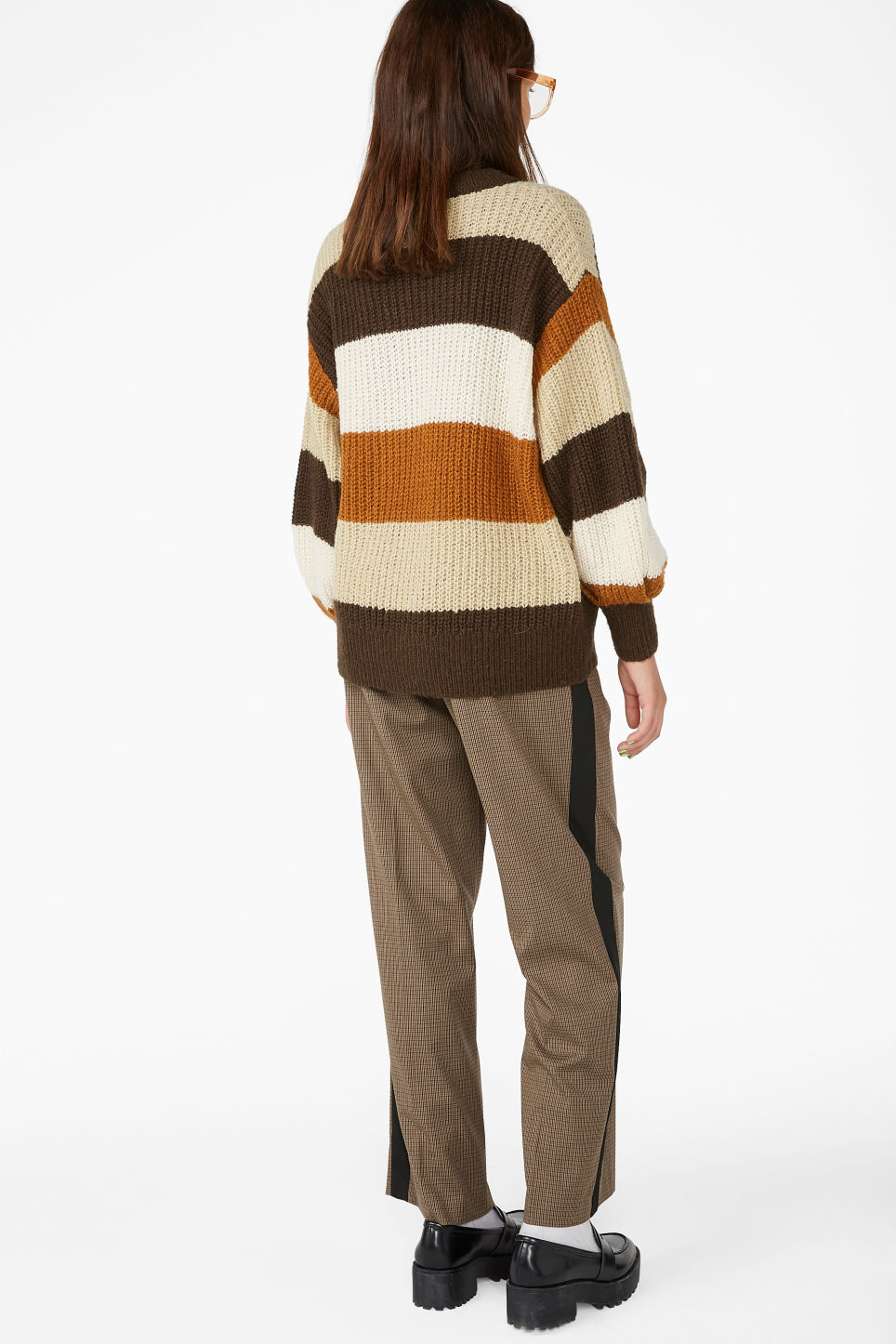 Model back image of Monki knit sweater in beige