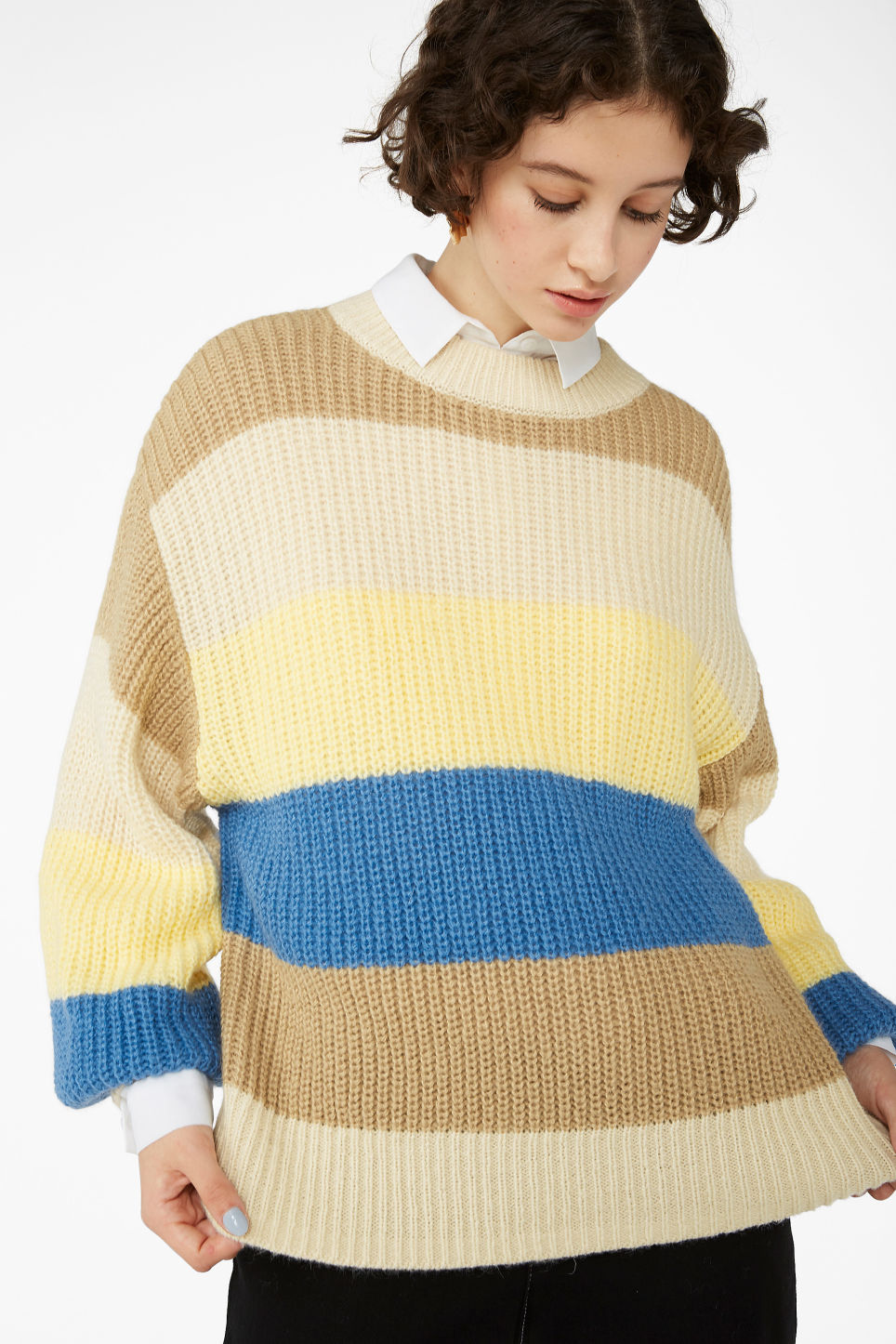 Model front image of Monki chunky knit sweater in blue