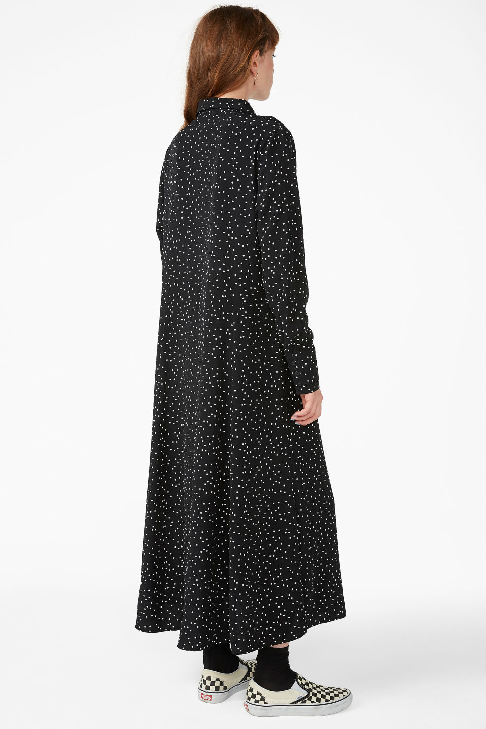Model back image of Monki maxi shirt dress in black