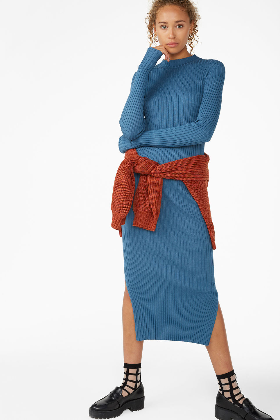 Model front image of Monki long ribbed dress in blue