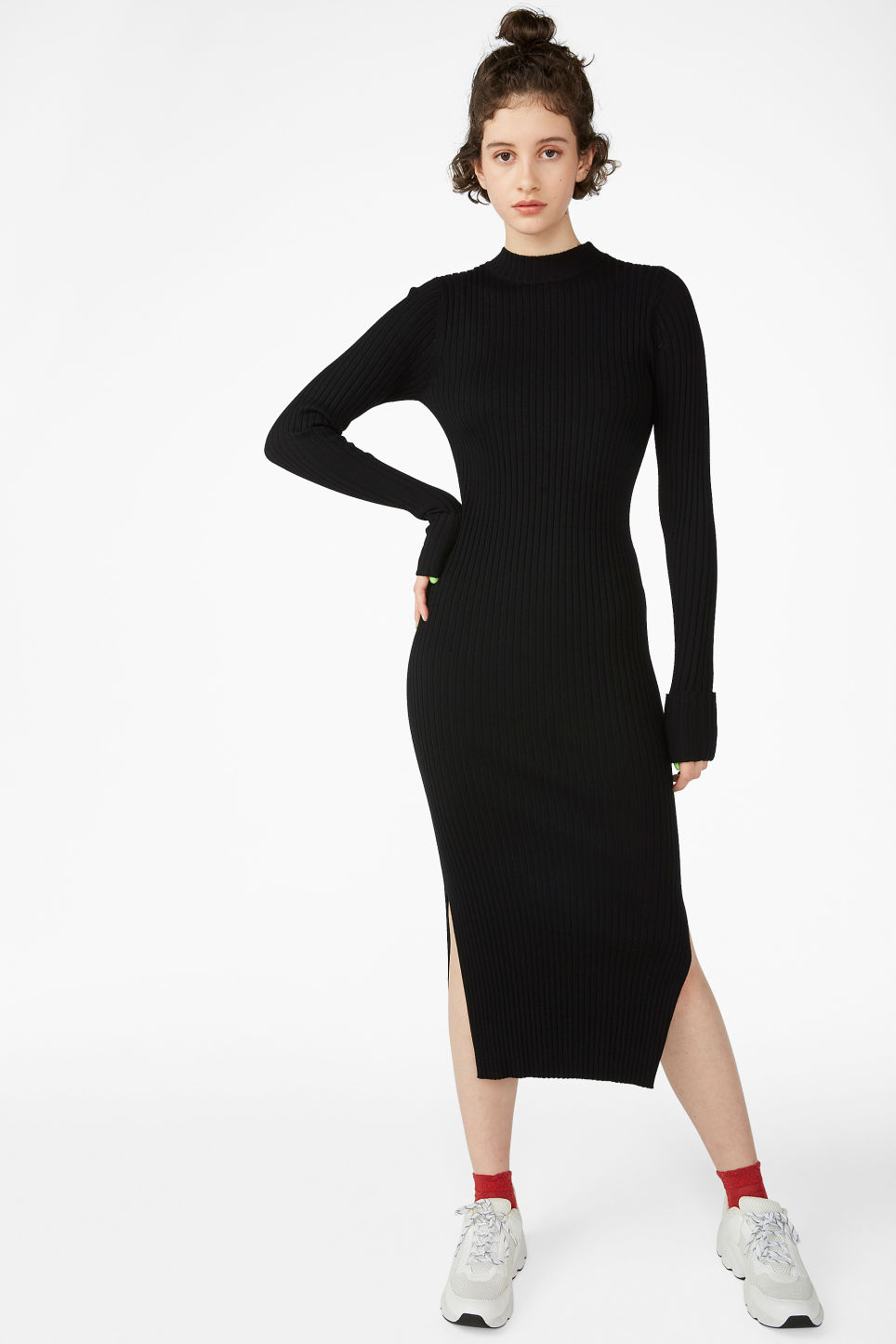 Model front image of Monki long ribbed dress in black