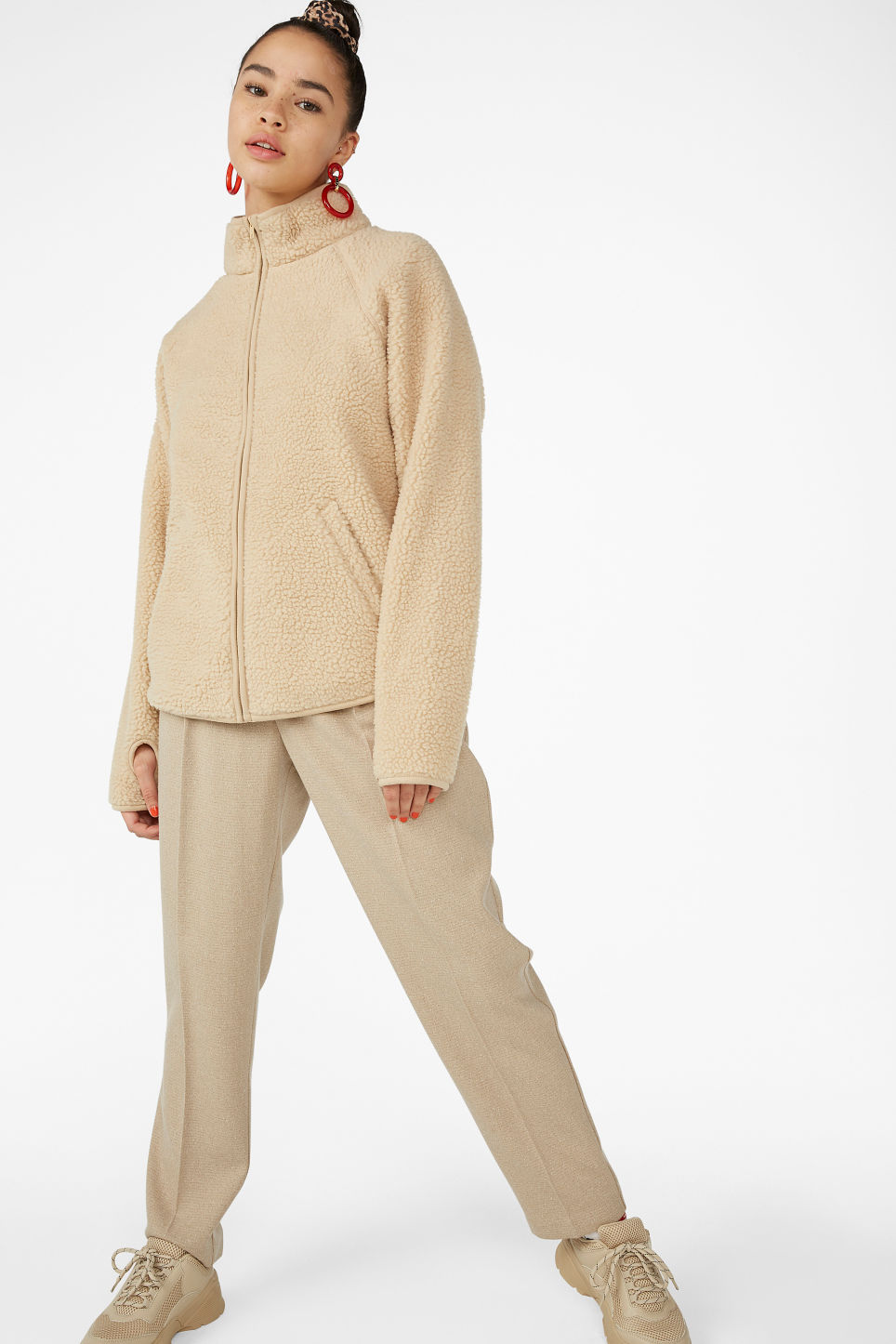 Model front image of Monki zip teddy sweater in beige