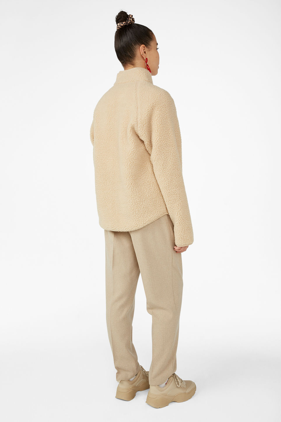 Model back image of Monki zip teddy sweater in beige