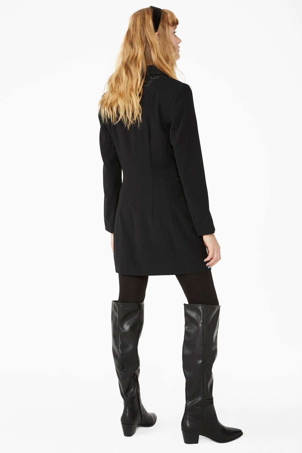 Model back image of Monki long blazer dress in black