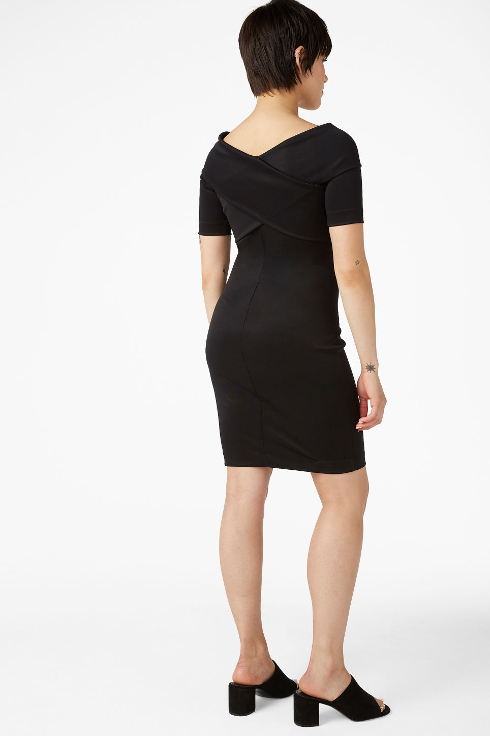 Model back image of Monki stretchy dress in black