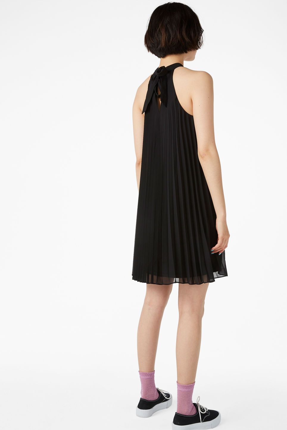 Model back image of Monki plissé party dress  in black